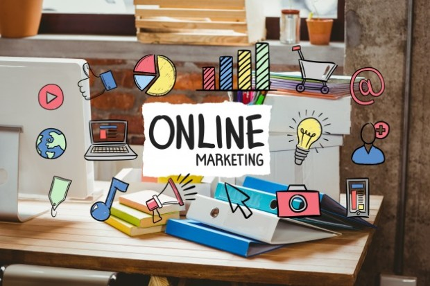 escritorio-de-oficina-con-el-concepto-de-negocio-de-marketing-online_1134-85